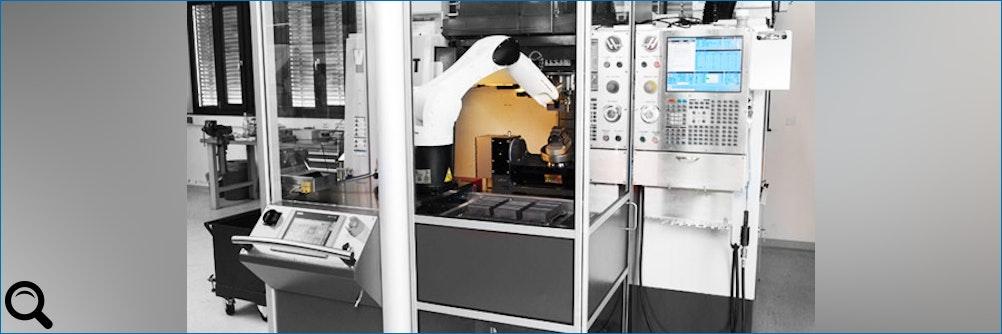 Handling: KUKA Kleinroboter be- und entlädt CNC-Bearbeitungszentren