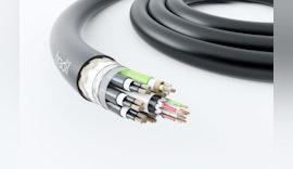 Drei Kabel in Einem: CAN-Bus, Ethernet Cat. 7 und 300V Stromversorgung.