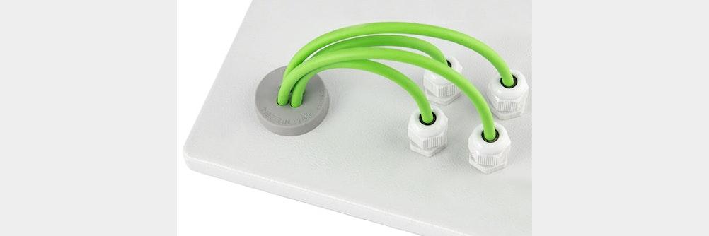 Neue M25 Multi Kabeldurchführung im hygienischen Design und IP66 / IP68