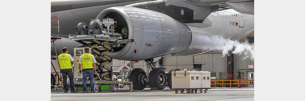 Effizient und innovativ: Lufthansa setzt auf CO2 Trockeneisreinigung - und ifm!