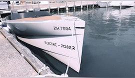 Auf Geschwindigkeitsrausch mit weltweit schnellstem Serien-E-Boot