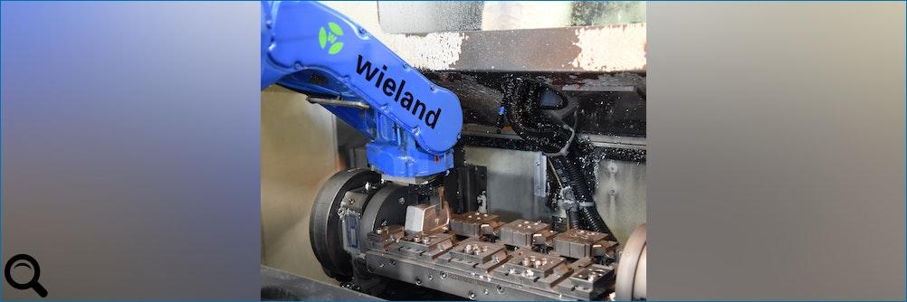 Intelligente #Automation eines Bearbeitungszentrums mit #Roboter -Prozesssichere Lösung viele Varianten