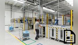 Hochflexible Industrieroboter Automation für die Großserienproduktion von eBike Komponenten