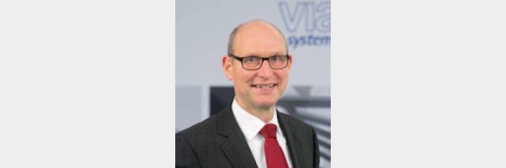 Michael Bois globaler Service-Leiter - viastore baut Kundenbetreuung aus