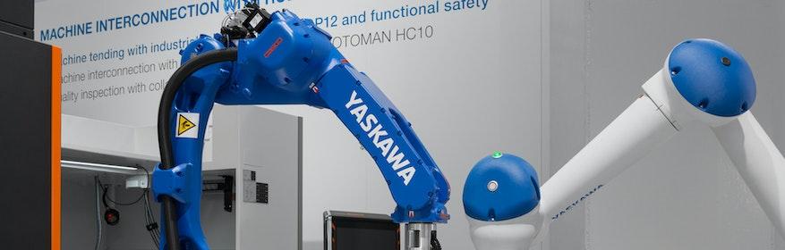 MRK-fähiger Hybridroboter MOTOMAN HC10 und abgesicherter Industrie-Roboter