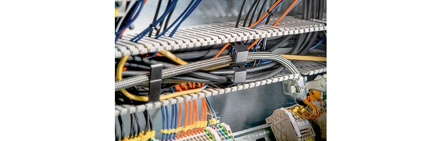 Kabelbündel- und Befestigungssysteme