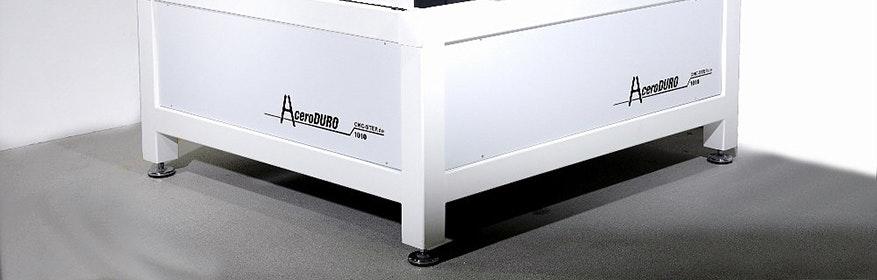 Industrie Fräsmaschine AceroDURO. Erhältlich mit Verfahrwegen von 500x200 mm bis 2000x1000 mm.