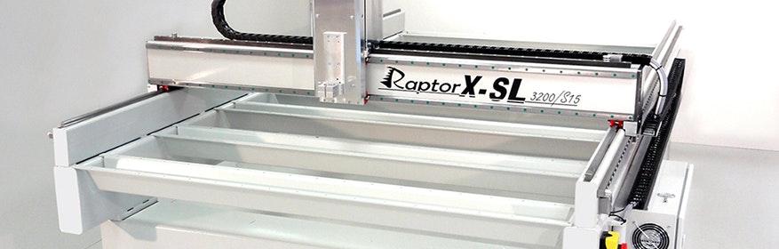 Fräsmachine Raptor-X SL. Im Großformat fräsen in Maßen bis zu 12000x3000 mm.