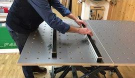 Produktvorstellung: Arbeitstisch mit Lochrasterplatte ø 20mm