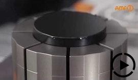 Erste / zweite Aufspannung - Nullpunktspanntechnik, Vakuumspannplatte und Spannzange in Kombination