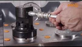 Erste / zweite Aufspannung mit modularem Nullpunktspannsystem und Magnetspannplatte von AMF