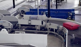 Der O3D Sensor im Einsatz zwischen Gepäckabgabe und Beladung des Flugzeuges