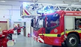 Robuste Sicherheitssteuerungen unterstützen Feuerwehrfahrzeuge bei heißen Einsätzen