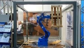 LIGNA 2015 AERO LIFT-Roboterhandling