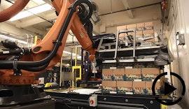 Handling & Palettieren: Für Widmer Brothers Brewing depalettiert ein KR QUANTEC Roboter hoch gestapelte Bierkisten