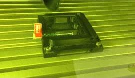 Lasermarkierung auf Glas